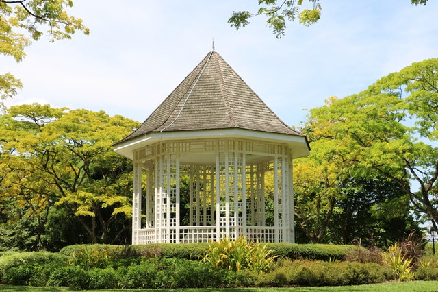 Keuze uit verschillende grote tuinhuizen voor in jouw tuin